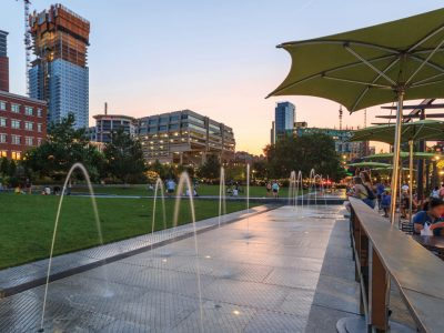 Rose Kennedy Greenway Cafe and fountains
